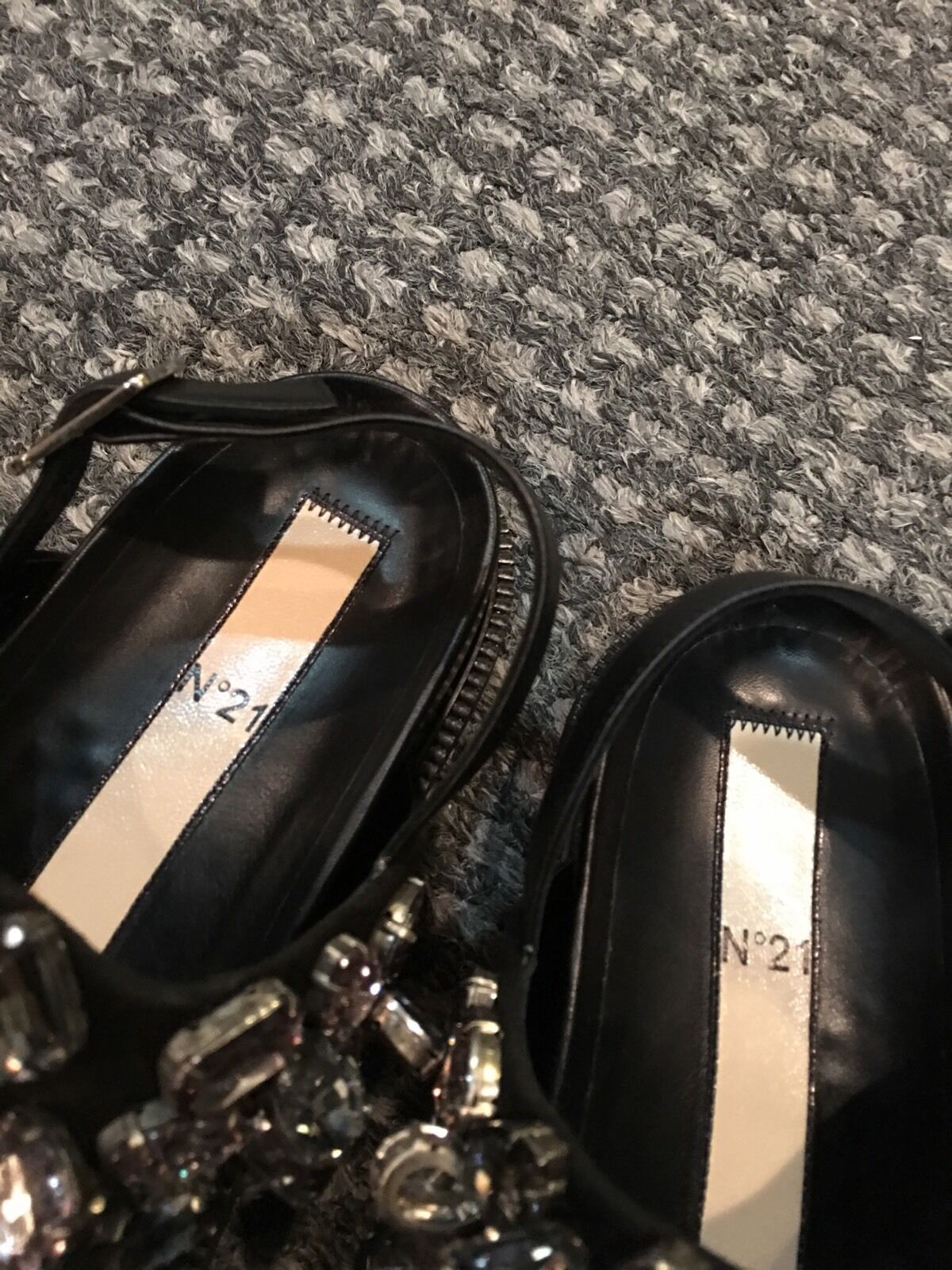 NO. 21 BLACK LEATHER JEWELED EMBELLISHED FLAT CASUAL SANDALS SANDALS SANDALS SZ 37 ITALY bf714f