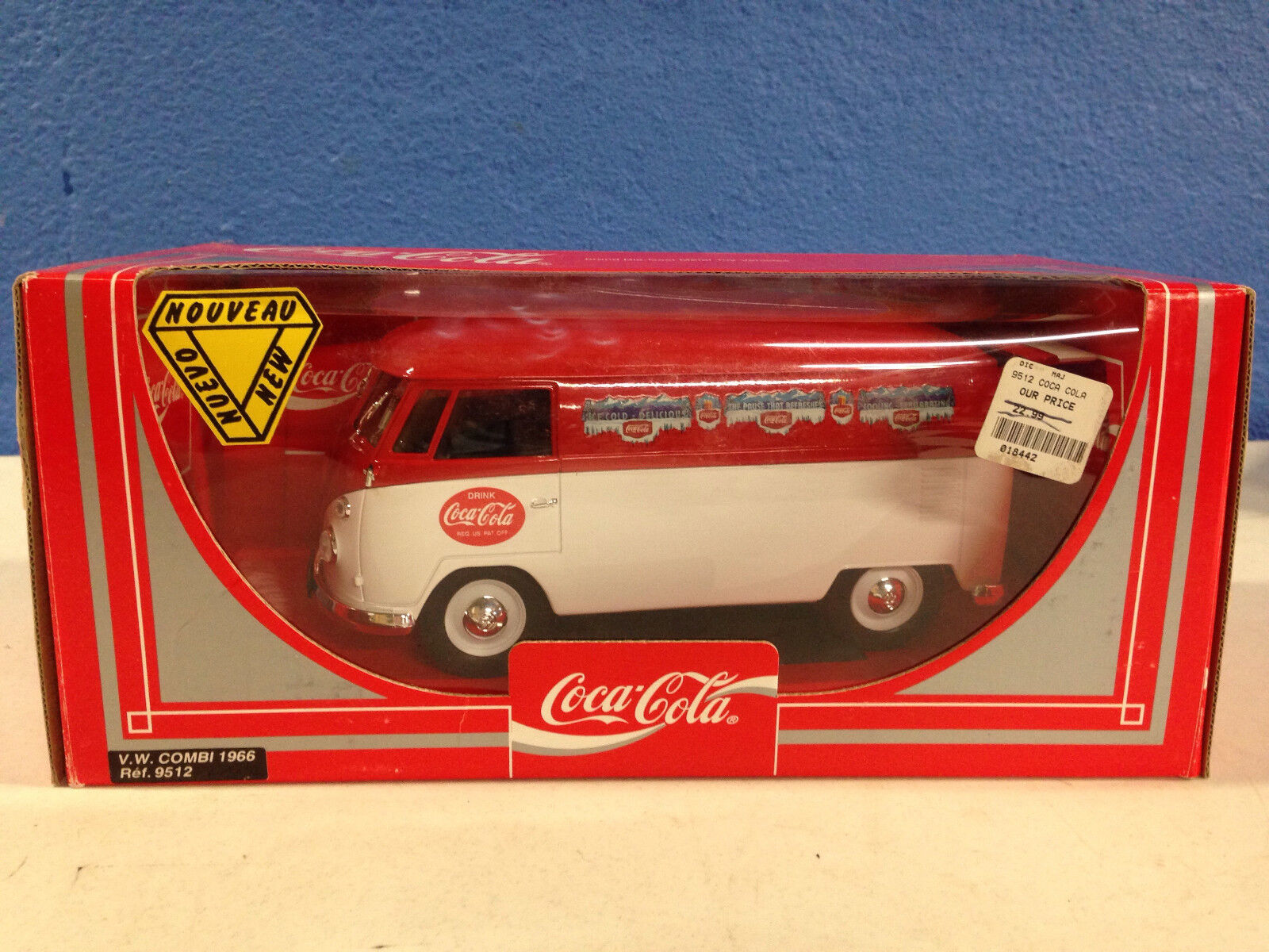 COCA COLA VW BUS COMBI NEW IN THE UNOPENED BOX 1 18 Diecast