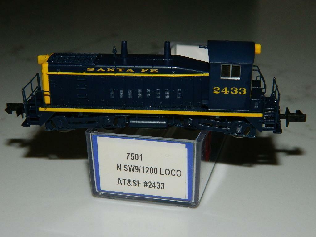 Life Like Escala N  7501 AT&SF n SW9 2100 Loco RD  2433 Vintage nuevo viejo Stock