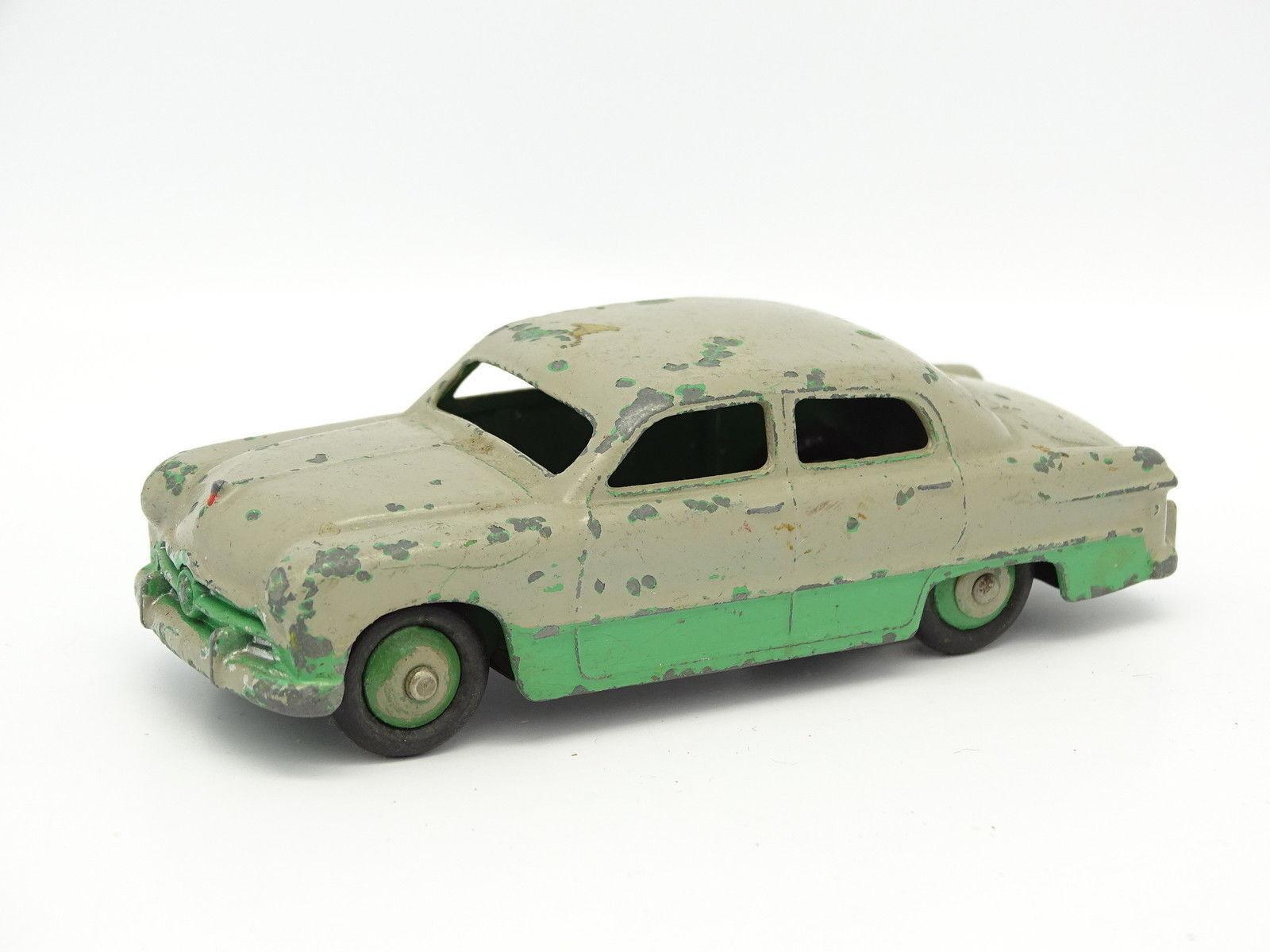 Dinky toys GB SB 1 43 - Ford Sedan