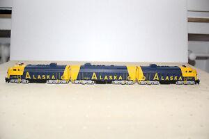 Modelleisenbahn-Spur-HO-F7-dreiteilige-Alaska-von-Maerklin-blau-gelb