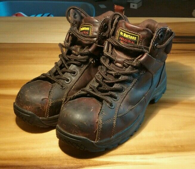 Dr. Martens Industrial Leather Work Boot 9 shoes Slip Resistant Steel Toe Doc