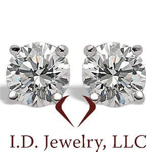 0.26 CT F SI1 14K Round Cut Diamond Stud Earrings