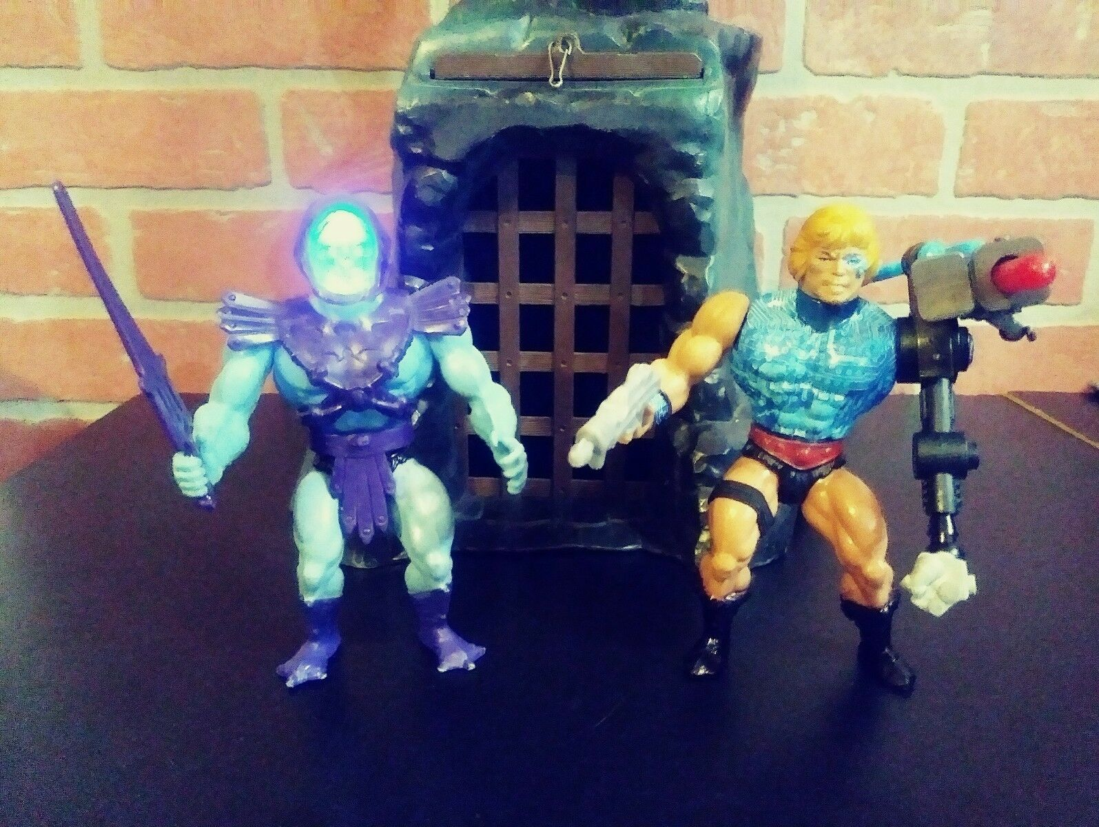 Masters of the Universe Custom Eternal Glow Skeletor vs Cyborg He-Man. RARE  WOW