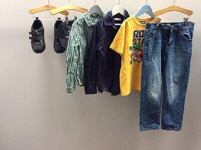 Chicos paquete de ropa edad 8-9 Inc Donnay zapatos talla 2 Angry Birds < C1280