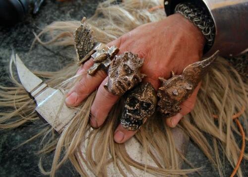 Skull with Mohawk ring