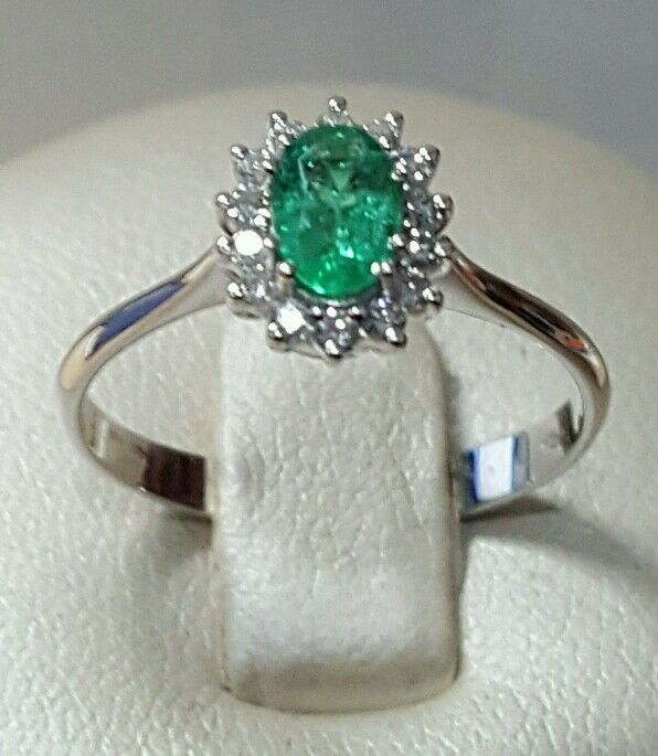 Ring Princess 18 ct white gold with diamonds and emerald natural