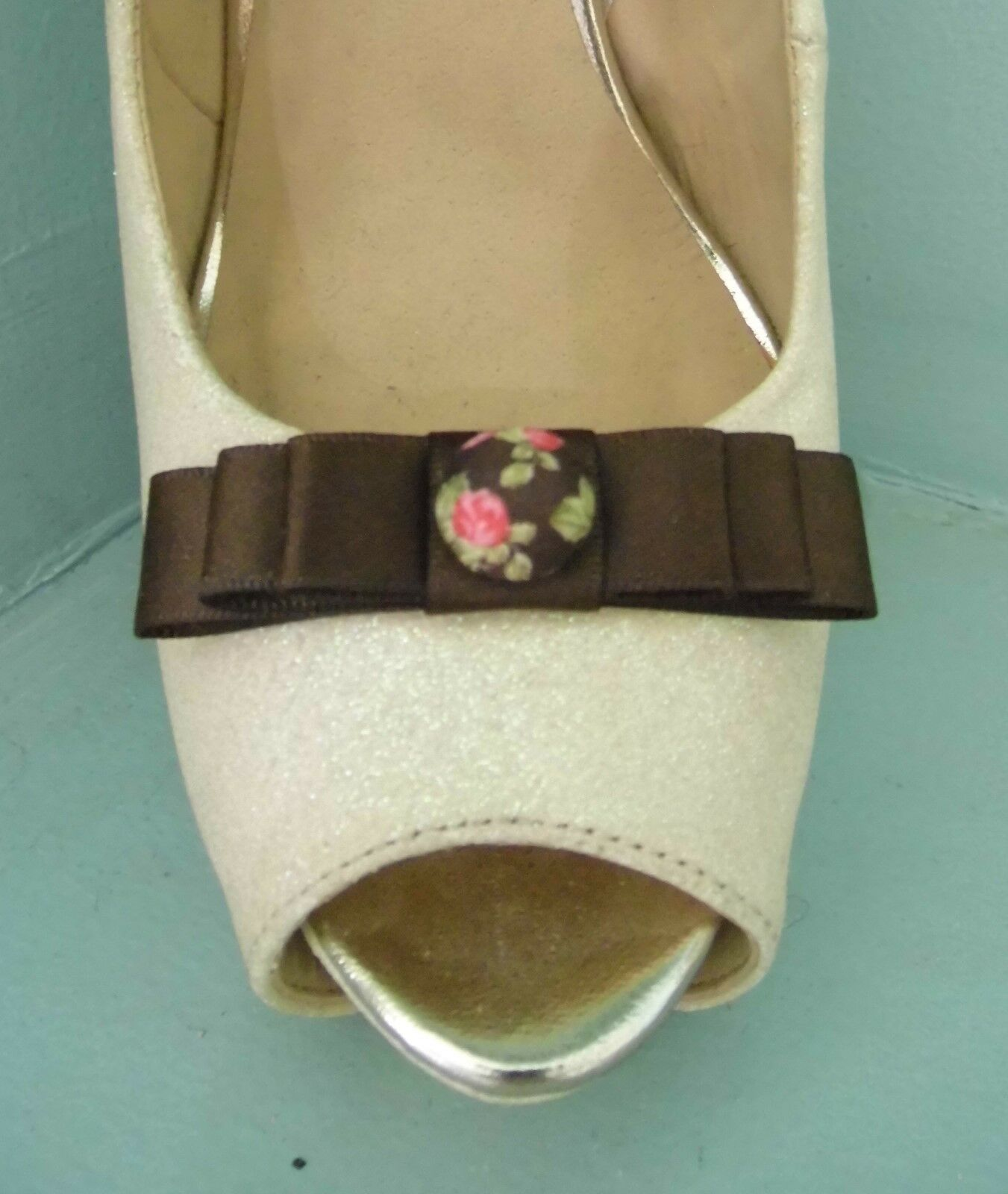 2 Small Brown Bow Clips for Shoes with Oriental Style Button Centre