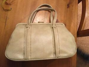 Vintage-1960s-Beige-Faux-Leather-Pvc-Handbag