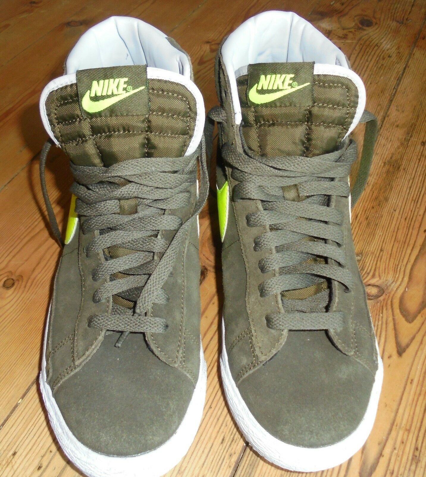 NIKE TRAINERS - HIGH TOP - SIZE 5.5 dark sagey green Great discount