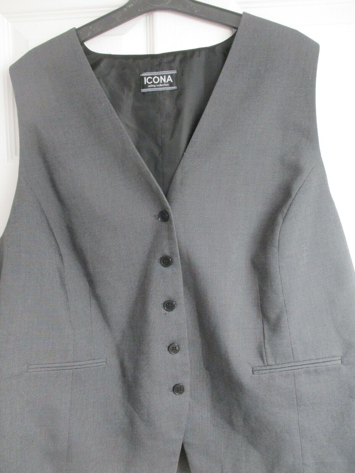 NEW with tags Mens Waistcoat with Teflon Fabric Protector Gents Euro Size 52