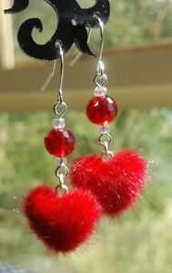 VALENTINE-FURRY-RED-HEART-EARRINGS-ROCKABILLY-PIN-UP-SWING-MOD-KITSCH