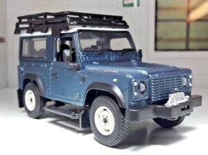 Land-Rover-Defender-TDI-TD5-90-Warn-Treuil-amp-Galerie-de-toit-echelle-1-32-Britains-Modele
