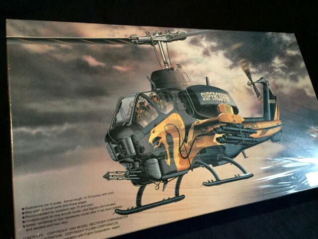 AH-1T+ Super Cobra Gold Cobra Model Kit