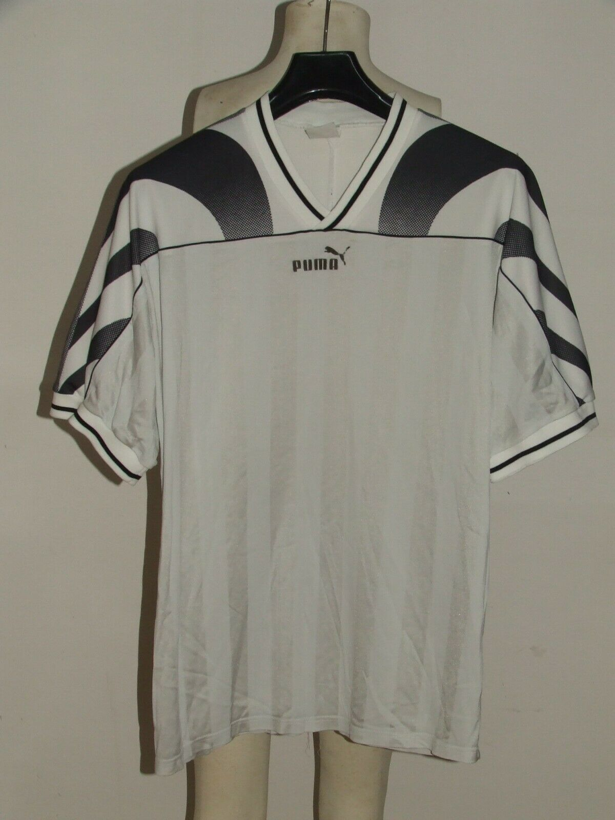 SOCCER JERSEY TRIKOT VINTAGE PUMA MADE IN HUNGARY 80'S (048) size L