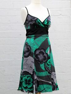 f95ff463389b2 Designer Ted Baker Silk Dress Size 2 Spring Trend Green   Black ...