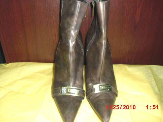 "GUESS BROWN FASHION BOOT 7"" ZIPPER 31/2"" HEEL LEATHER UPPER WOMEN BOOT SIZE 8M"