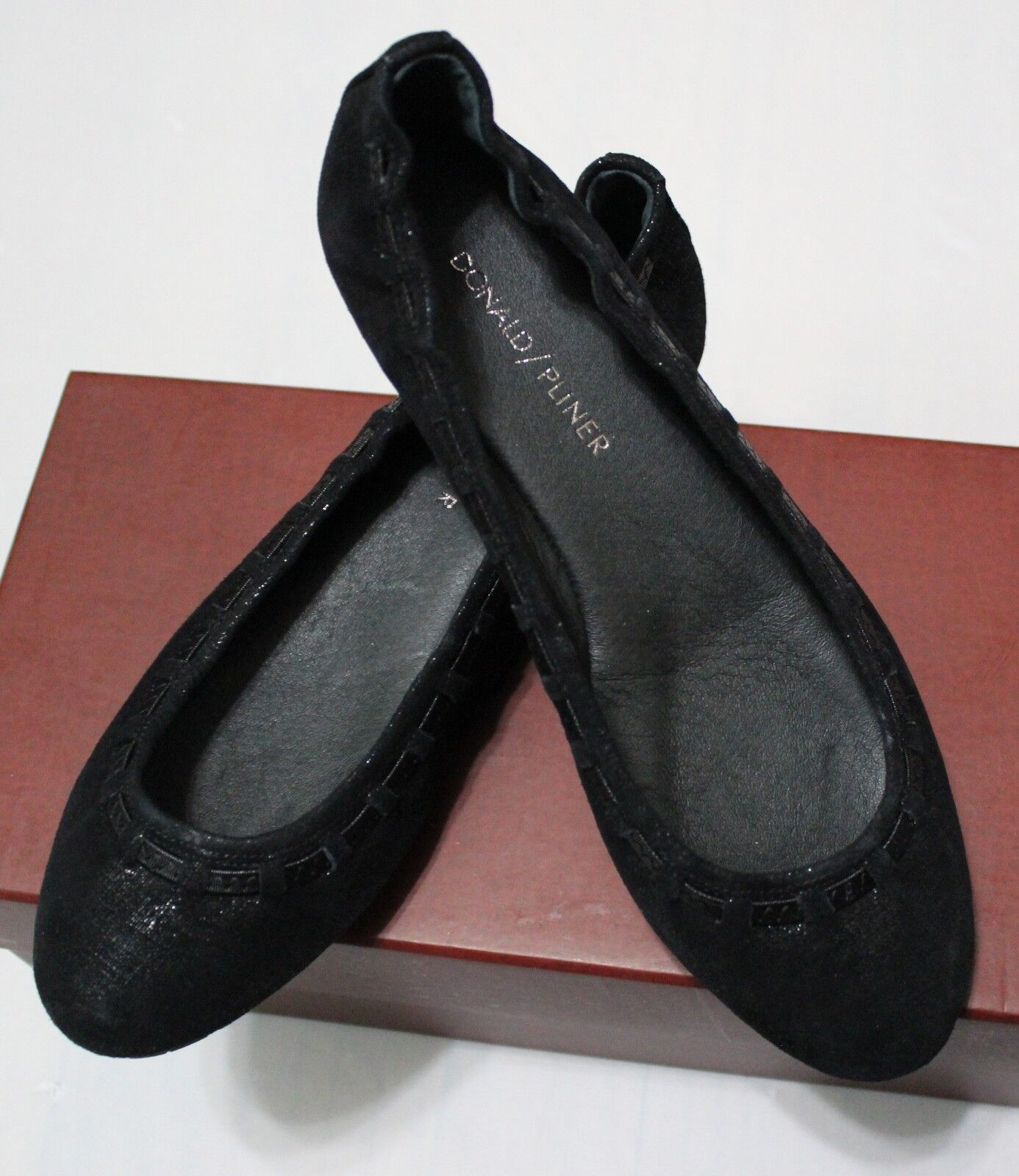 $198 DONALD J PLINER PADDI BLACK DISTRESSED METALLIC SUEDE BALLET FLATS US 7M