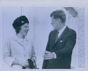 1963-President-Kennedy-amp-Princess-Beatrix-Netherlands-Wire-Photo