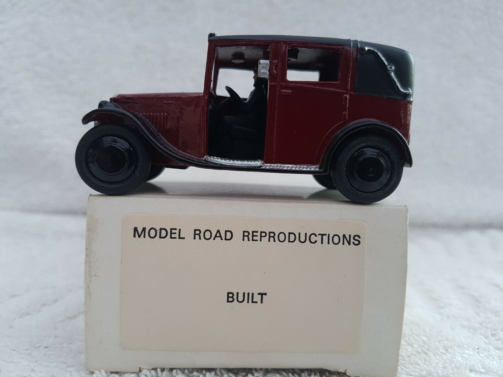 Model Road Reproductions 1 43 Scale Weiß Metal Built Kit - Austin Taxi Maroon