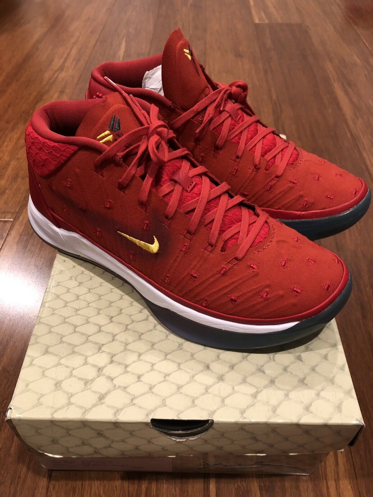 Nike Kobe AD PE Promo Sample Mens Size 8 AQ2721 600 GYM RED UNIV gold-MULTI