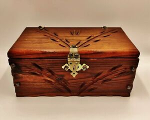 Vintage-Style-Carved-Wooden-Trinket-Box-with-clasp-for-Jewellery-small-tools-etc