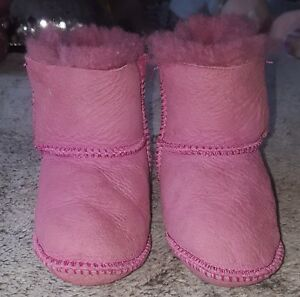 1deb31a35dd Details about Baby Girls Pink Ugg Australia Uggs Pram Shoes Age 12-18m #
