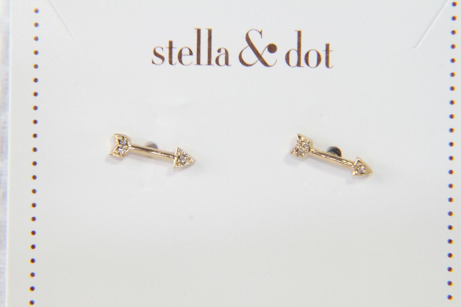Stella & Dot Earrings (new) ON THE MARK STUDS - gold (E490G)