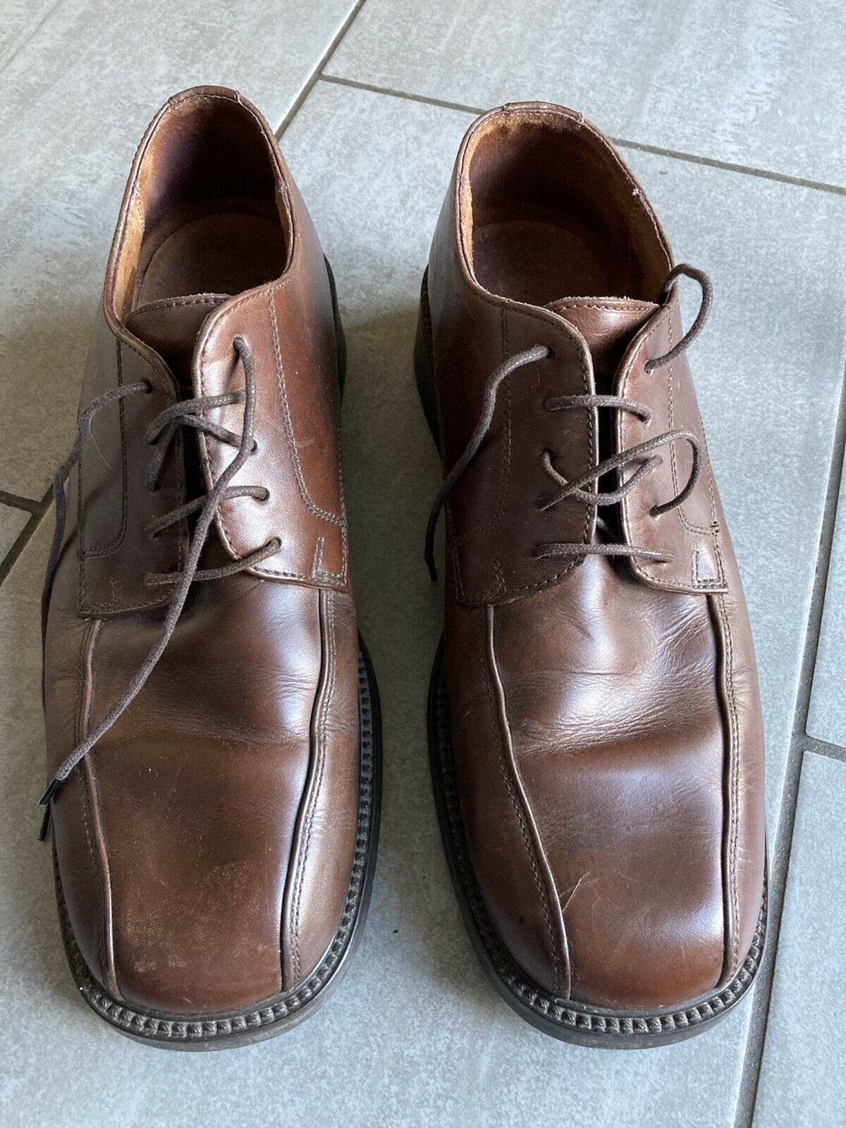 Clarks Mens Brown Leather Heavyweight Lace Up Shoes Size 10 1/2 Great Condition.