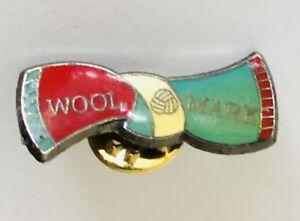 Wool-Mark-Brand-Bow-Tie-Retro-Pin-Badge-Vintage-D7