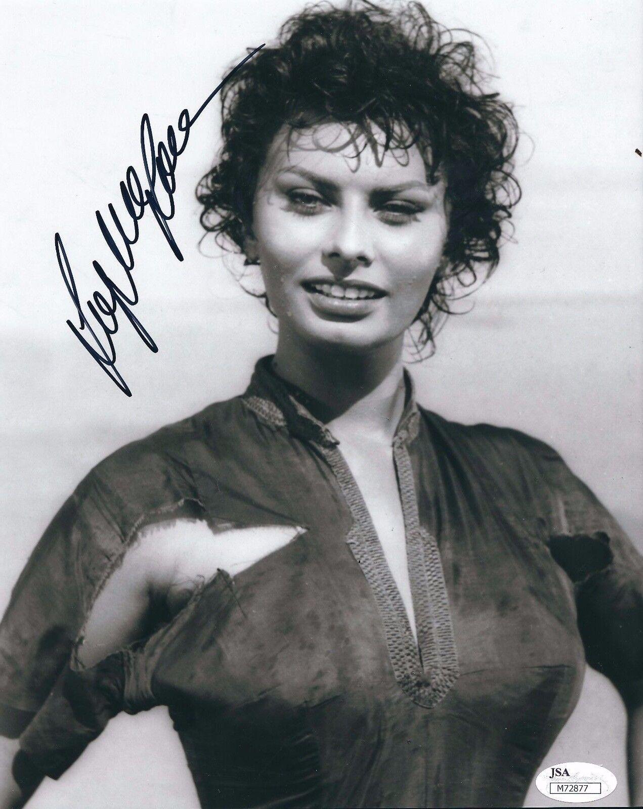 Sophia Loren Signed 8x10 Photo *Actress JSA M72877