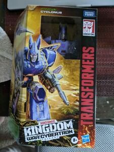 Transformers CYCLONUS Kingdom War For Cybertron Voyager Class Action Figure