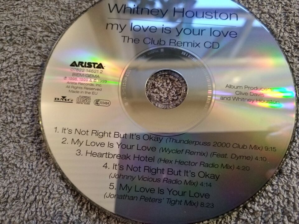 Whitney Houston: my love is your love, R&B