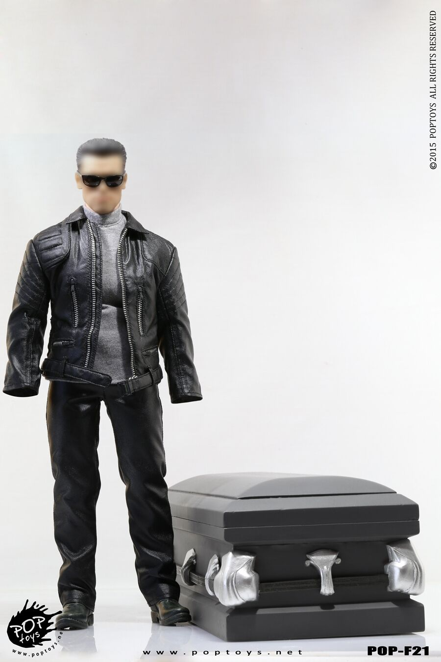 Pop Juguetes F21 Robot con / Madera Coffin - T800 Cuero Abrigo Compatible 1/6