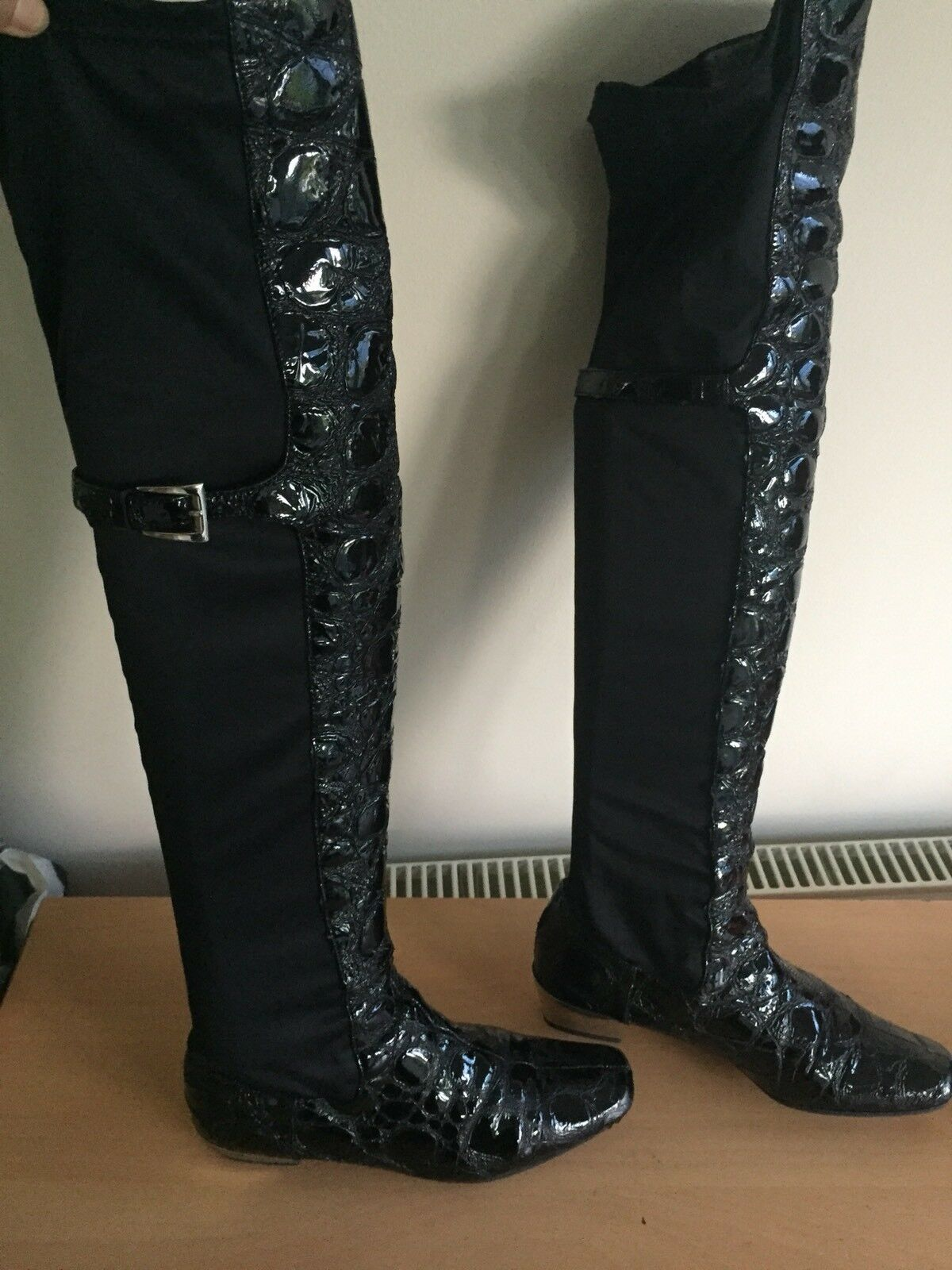 Grandes zapatos con descuento russell and bromley 5, Black Knee High Boots, Croc Pattern, Silver Heels