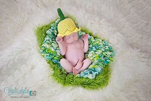 Super cute handmade crochet Daffodil hat. Photography Photo prop. Newborn.