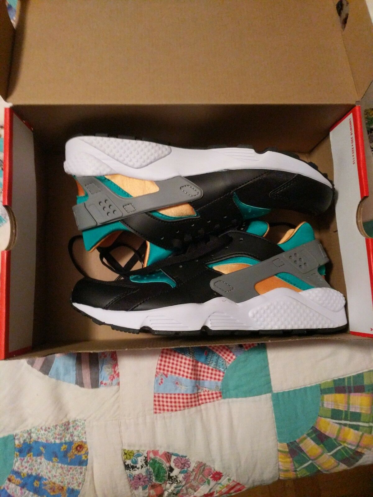 Brand New Nike Air Huarache OG 1991 colors size 10.5 Jacksonville Jaguars colors The latest discount shoes for men and women