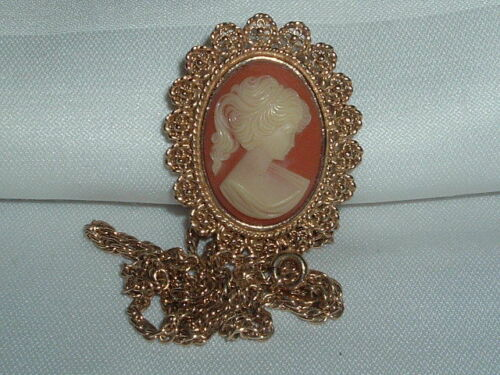 VINTAGE FULLER TAGGED CAMEO PENDANT/BROOCH NECKLAC
