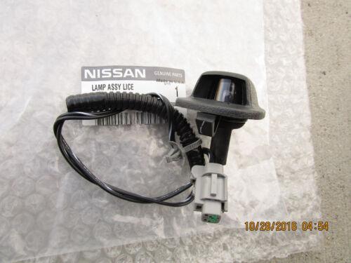 00-04 NISSAN FRONTIER SE XE PICK UP REAR LICENSE PLATE LIGHT LENS NEW 9Z400