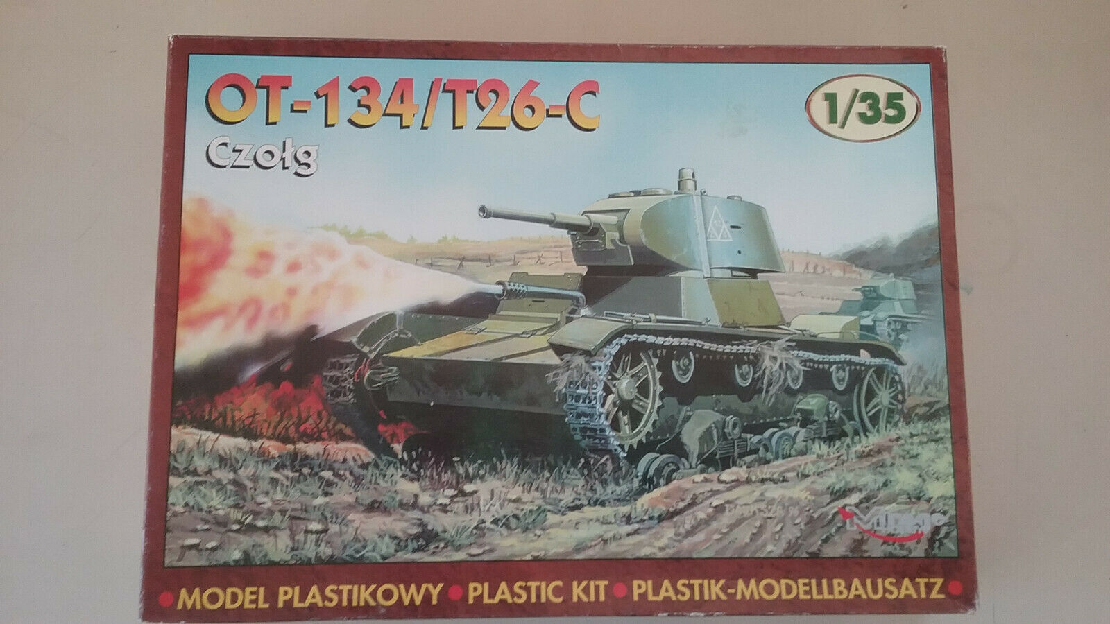 1 35 scale Mirage  Hobby WWII Soviet  OT- 134   T 26- C Flame Thrower  Tank