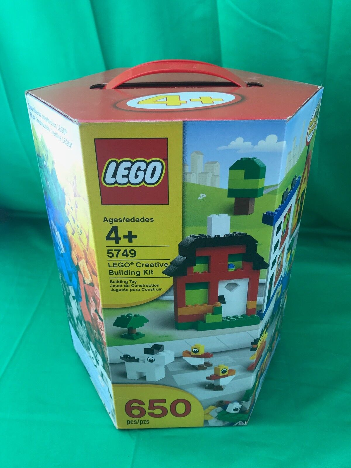 NEW & Unopened Lego 5749 Creative Building Kit - 650 pieces