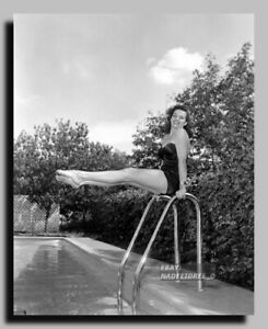 HV-5112 JANE RUSSELL LEGENDARY ACTRESS AND SEX-SYMBOL SEXY