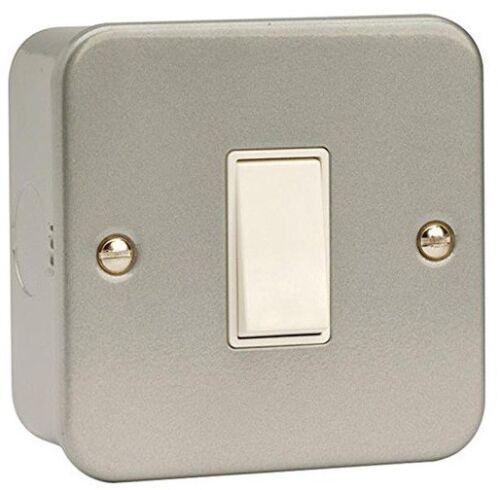 CL025 Click Metal Clad 10A Intermediate Switch