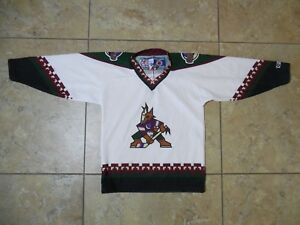 61ad71773 Image is loading VTG-CCM-Arizona-Coyotes-NHL-Youth-Jersey-One-