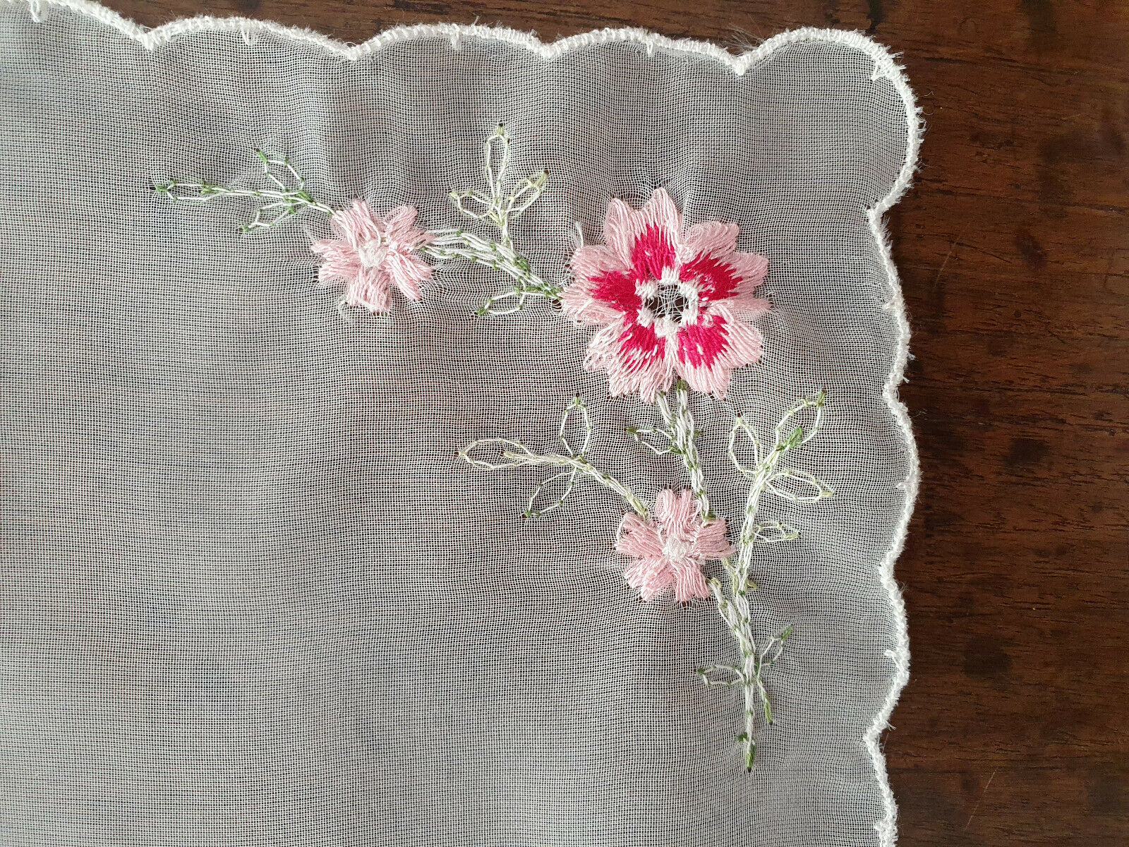 Vintage Embroidered Flowers, Scalloped, Possibly Hand Sewn, Ladies Handkercheif