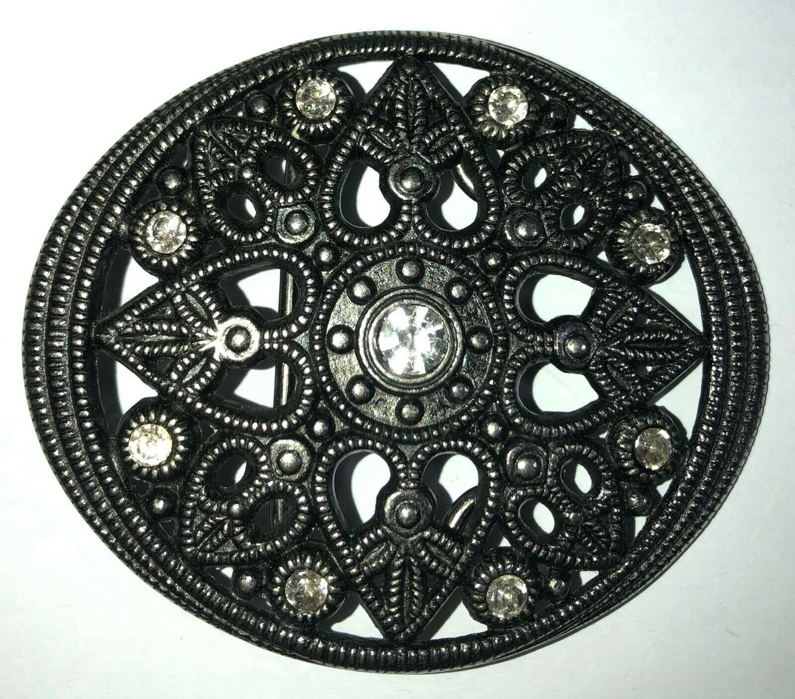 BELT BUCKLE WITH HEARTS & CLEAR GLASS STONES For Women