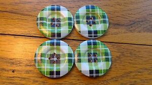 25 Large Green Beveled Wooden Tartan Buttons 30mm 1 38034  Knitware Sewing - <span itemprop=availableAtOrFrom>Wakefield, United Kingdom</span> - 25 Large Green Beveled Wooden Tartan Buttons 30mm 1 38034  Knitware Sewing - Wakefield, United Kingdom