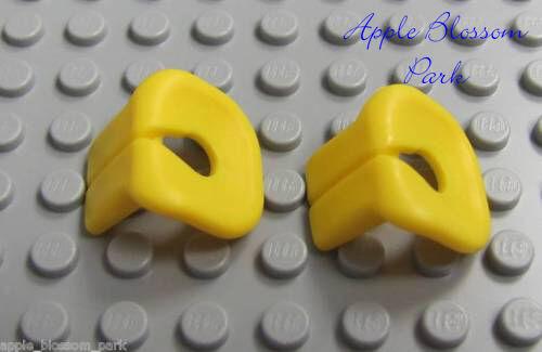 NEW Lot//2 Lego Minifig YELLOW LIFE JACKETS Sailor Ship /& Boat Preserver Vest Set