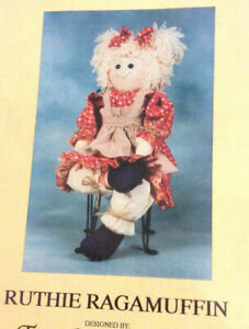 Ruthie-Ragamuffin-4-4-Wood-Critter-The-Craft-Closet-Sew-Pattern-Leaflet-VTG-1991