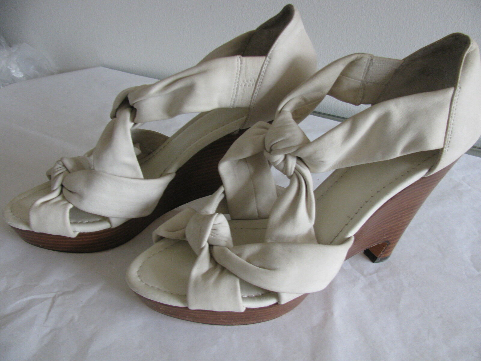 New Saks Fifth Avenue femmes's Dusty blanc Leather Knotted Sandals Wedges Sz 9.5
